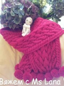 Вязаный шарф спицами с аранами