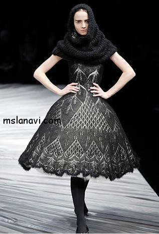 Вязаное платье с юбкой
