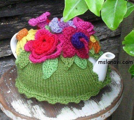 вязаная грелка+на чайник с цветами