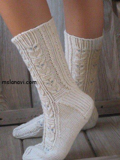 """Белые вязаные носки с узором """""""
