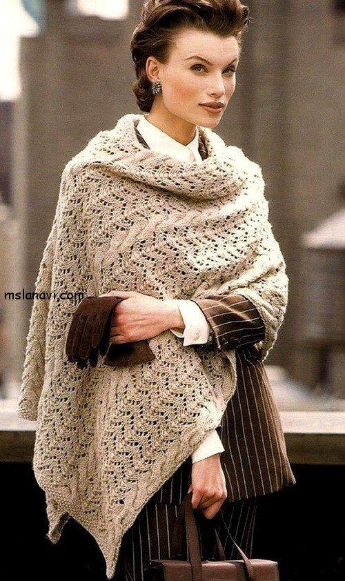 Широкий ажурный шарф спицами