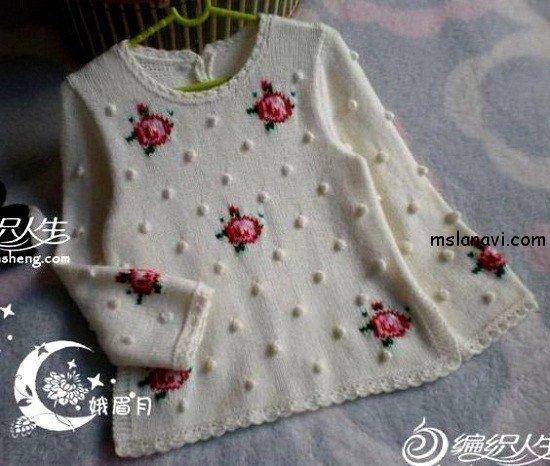 Пуловер для девочки с розами