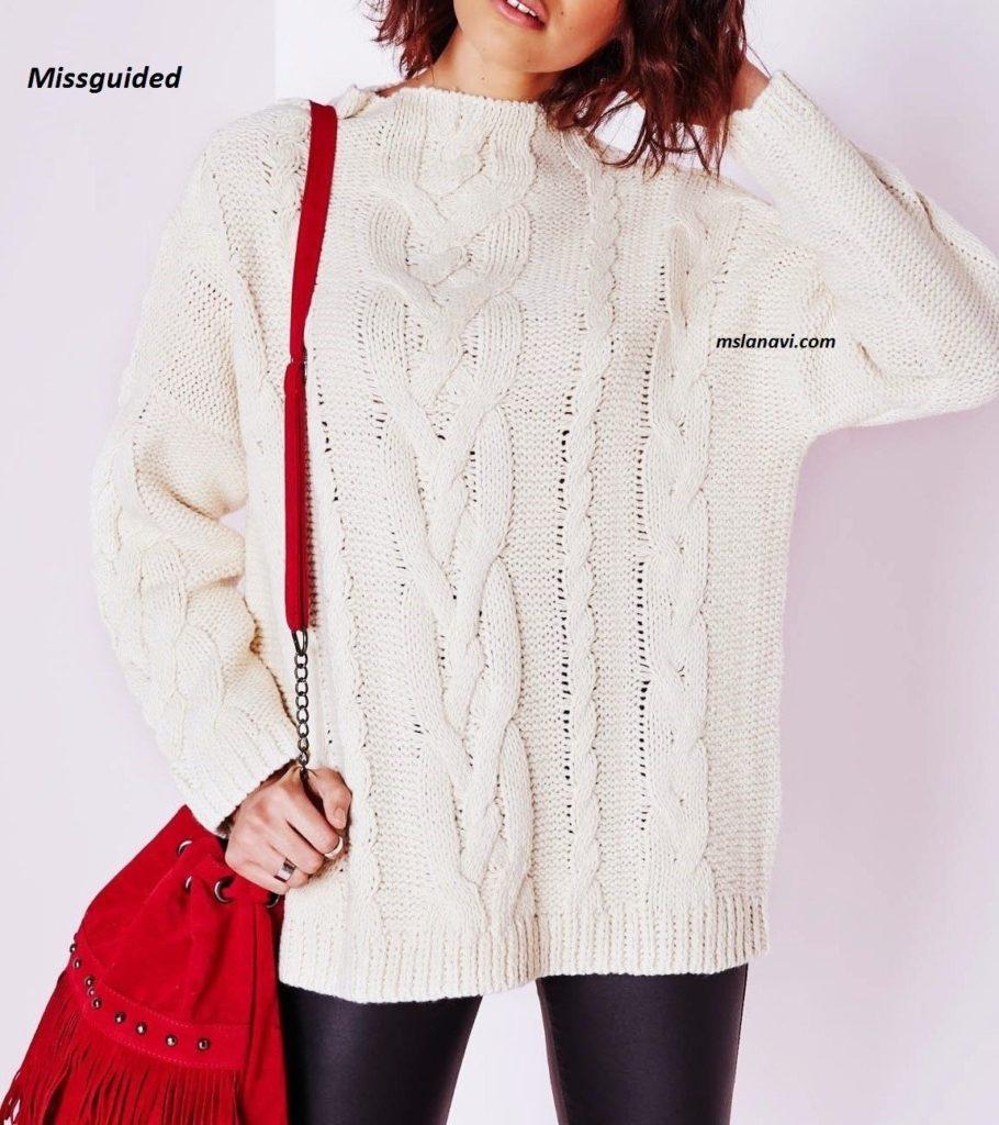 Широкий вязаный свитер спицами