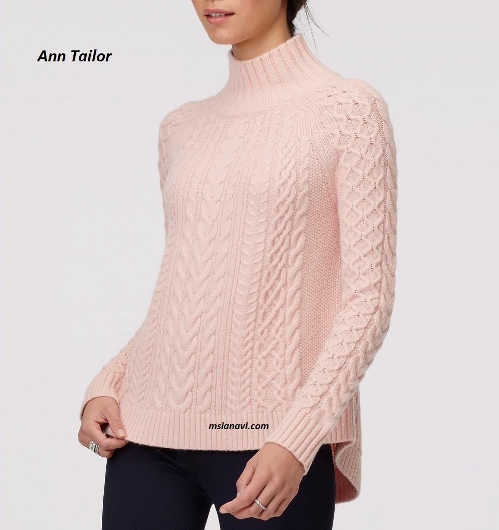 вязаный свитер со спущенным плечом и схемой