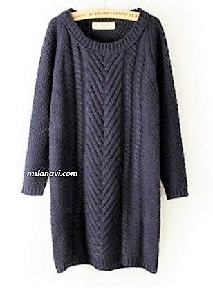 Вязаное платье спицами с широкой косой