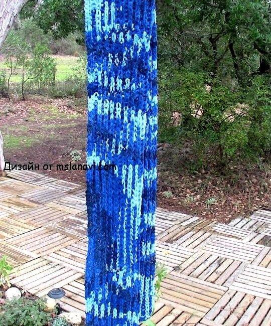 Вязаный широкий шарф из меланжевой пряжи