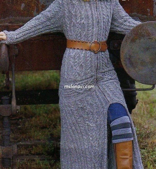Длинное пальто спицами с аранами