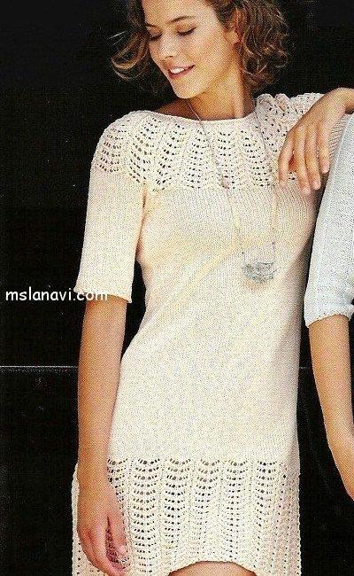Вязаное платье с ажурными вставками