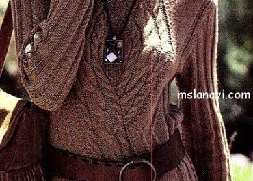 Красивый пуловер спицами с аранами