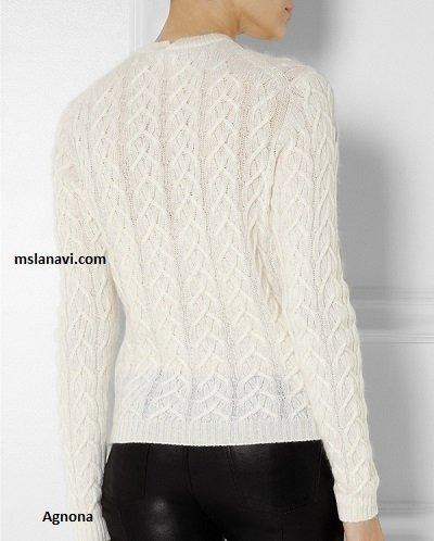 Вязаный пуловер спицами со схемой
