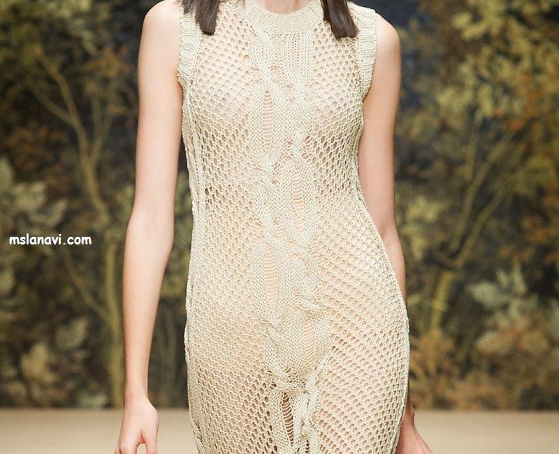 Вязаное платье в сеточку от Laura Biagiotti