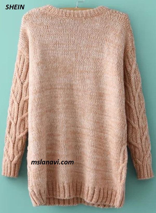Вязаное платье-свитер спицами